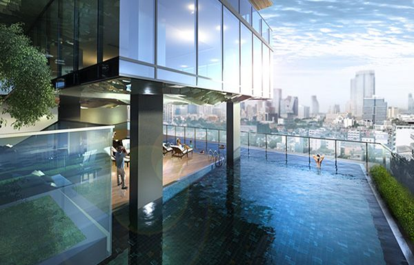 Circle-Sukhumvit-11-Bangkok-condo-swimming-pool